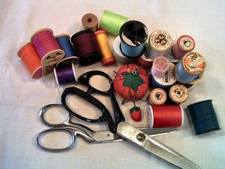 sewing_gracey_morguefile